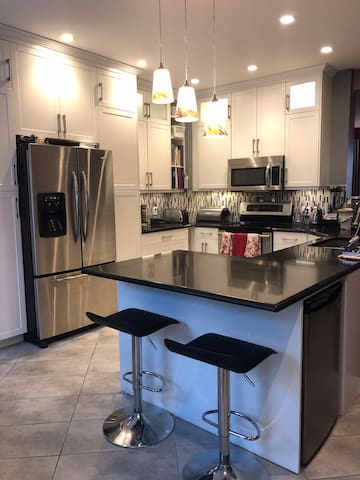 Relaxing, Comfortable Home  - Close to DT BL231921