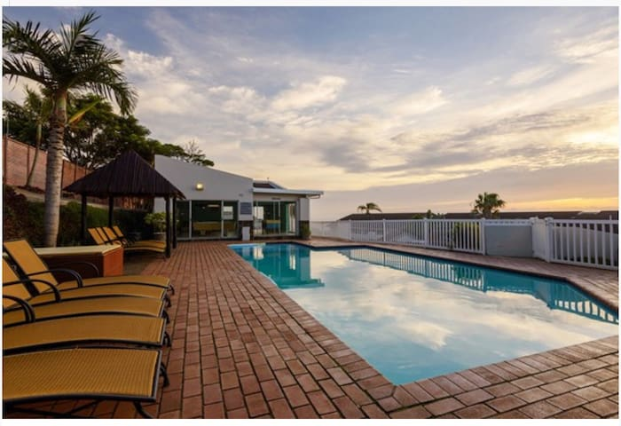 180' Seaview Illovo Beach Unit - Kingsburgh - Appartement