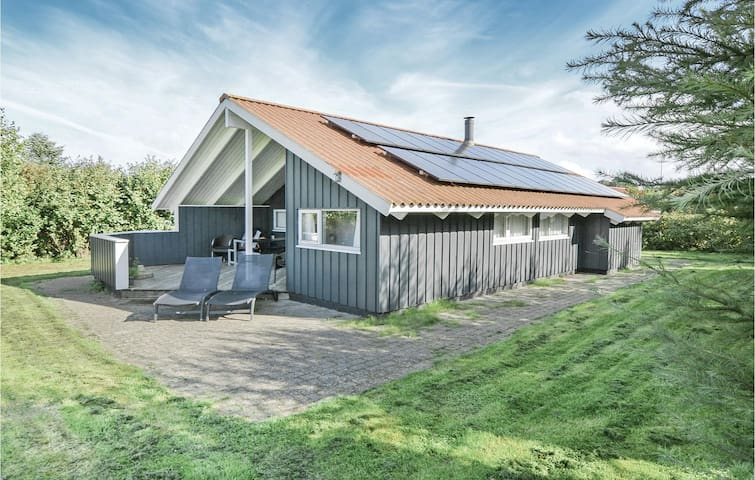 Holiday cottage with 4 bedrooms on 89m² in Asperup