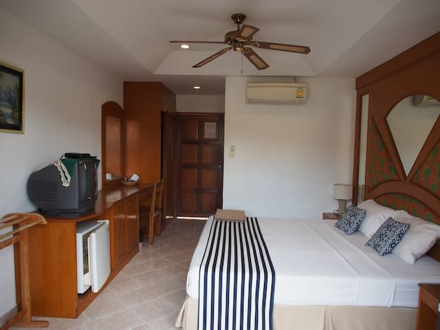 Family-run Guesthouse, Kata Beach-1