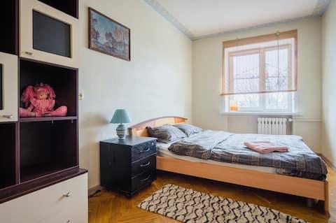 舒適的公寓,中心在莫斯科地鐵站的入口