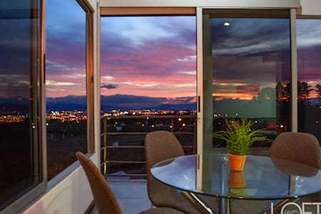 Sunset Point Modern Loft Overlook
