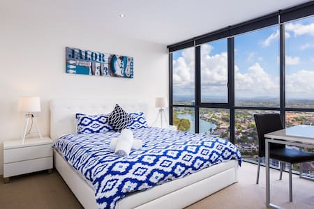 VIEWS FOREVER! Central Surfers - Surfers Paradise - Wohnung