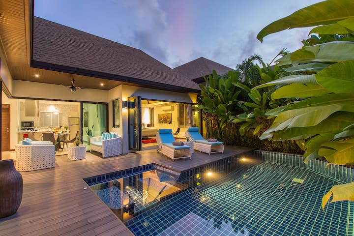 High luxury 2-bedroom pool villa, tropical garden