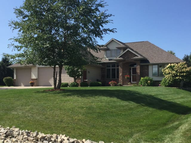 Entire home available for EAA