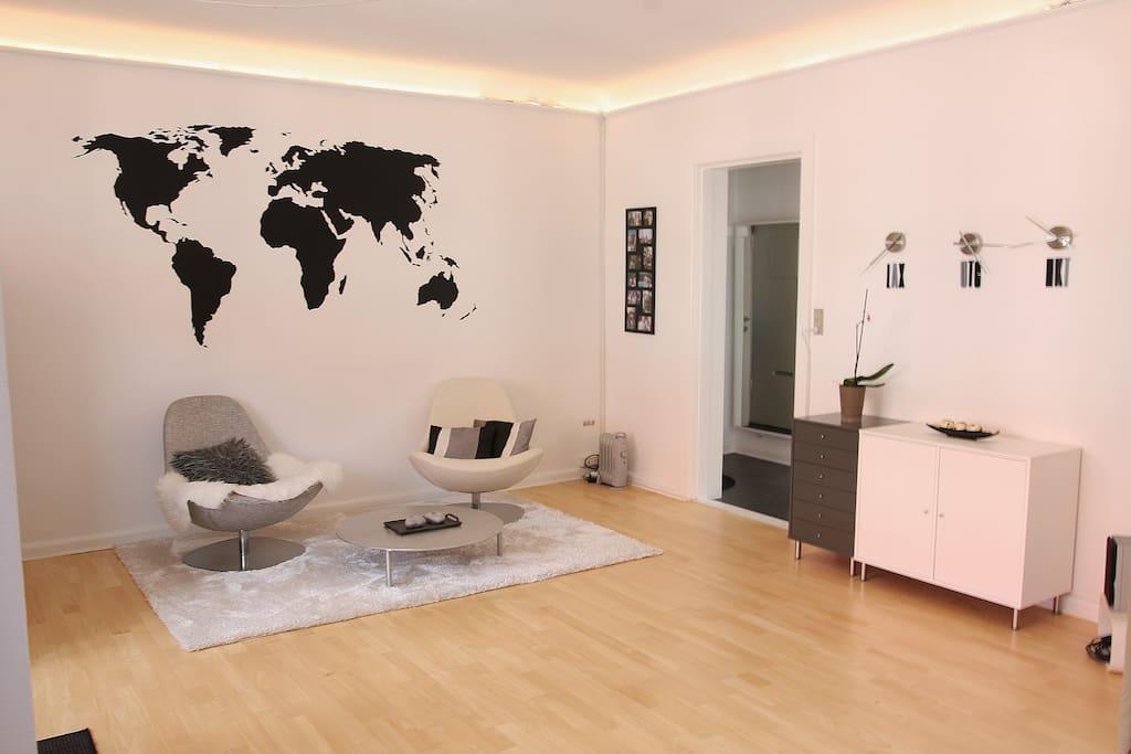 Modern, light and spacious livingroom