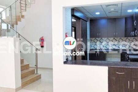 Spacious Room for Rent - Dubai - Reihenhaus