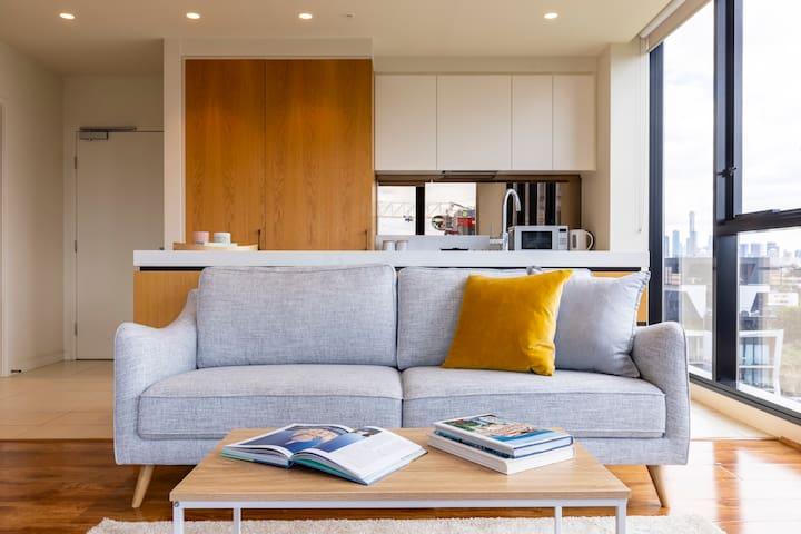 *New South Yarra Luxury 2 Bed 2 Bath Apartment