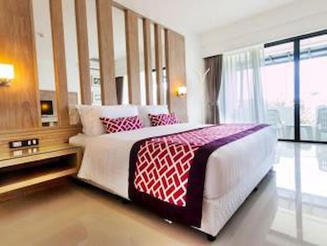 Deluxe Double Bed - Room only