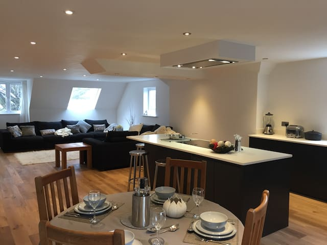 Luxurious City apartment - easy walk/bus to centre - Canterbury - Apartment