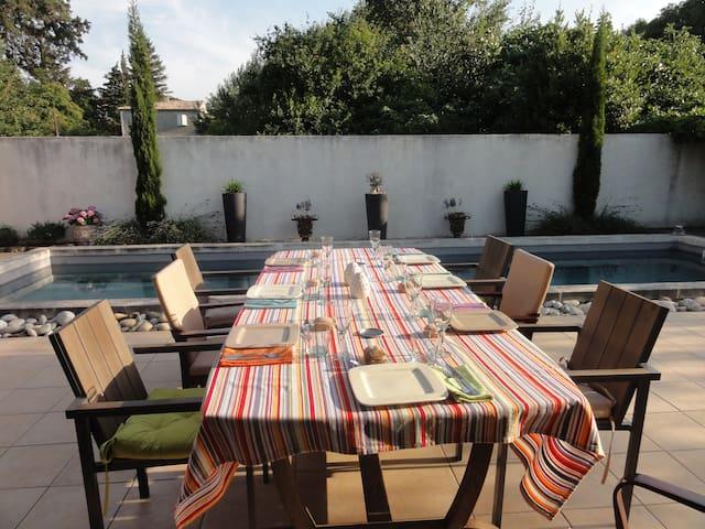 Maison au calme avec piscine - Bagnols-sur-Cèze - Huis