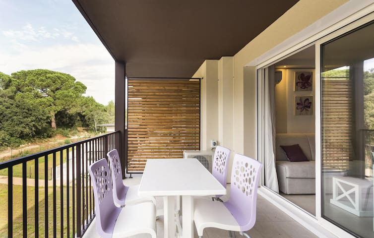 Holiday apartment with 2 bedrooms on 43 m² in Remoulins