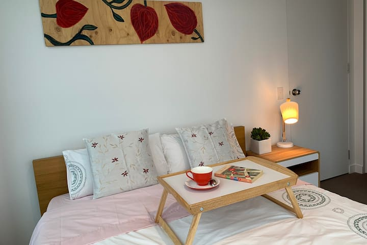 Nicole's house in CBD Melbourne - Bedroom 1