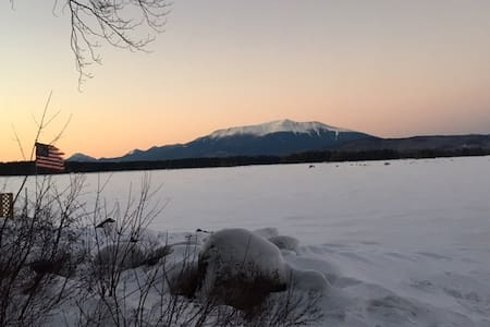 Millinocket Lake camp retreat - Millinocket - Casa