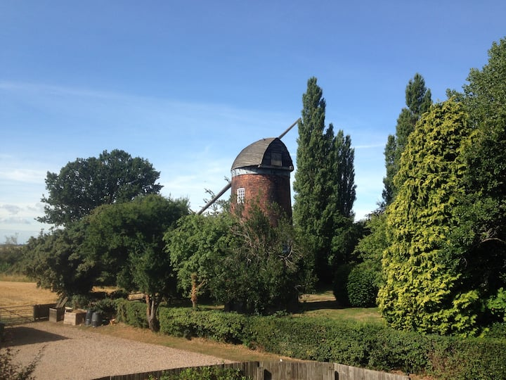 Windmill View Terrace with Garden