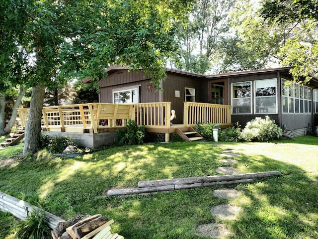Lake Poinsett Family Cabin