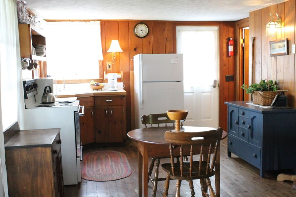 Another shot of the kitchen. The bathroom is directly to the right of the entry door. Living room is behind the picture.