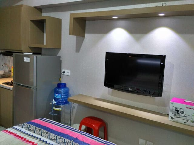 Studio room with direct acces to Pakuwon Mall