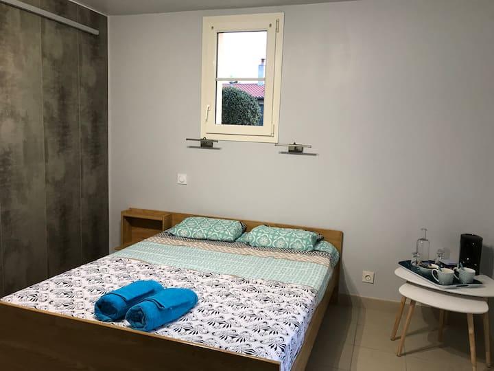 Chambre et Salle de bain à 15 mn du Puy du Fou