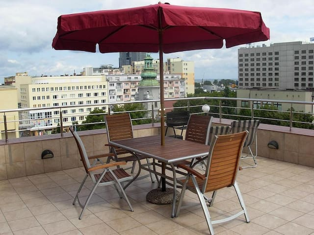 Niezwykły apartament z 40m TARASEM w samym centrum