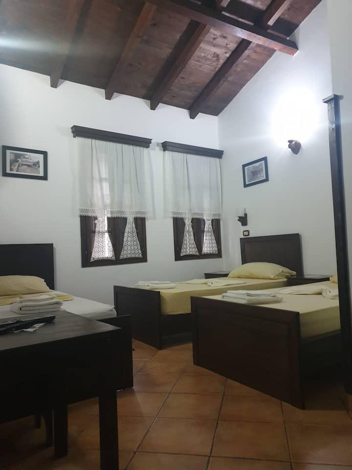 Hotel Guva Mangalem-Tripla room