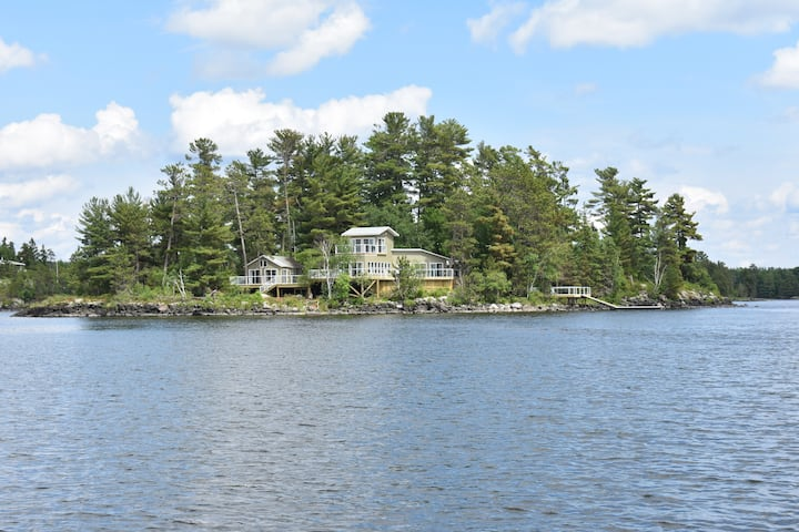 Sunset Island On Lake of the Woods -Modern Private