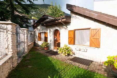 Caratteristica villetta in montagna a Fiamignano