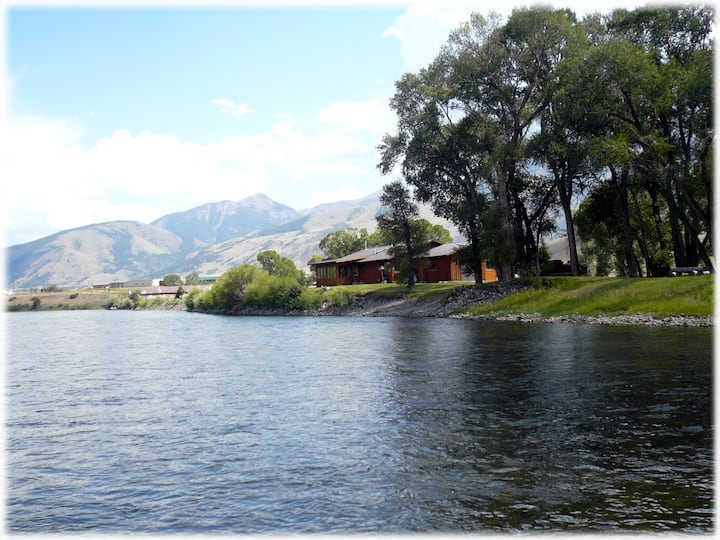 River Rose - Charming ranch style cabin on Yellowstone River.