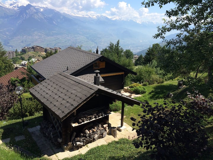 Ski in/out. Chalet. View on the Rhône valley. Wifi