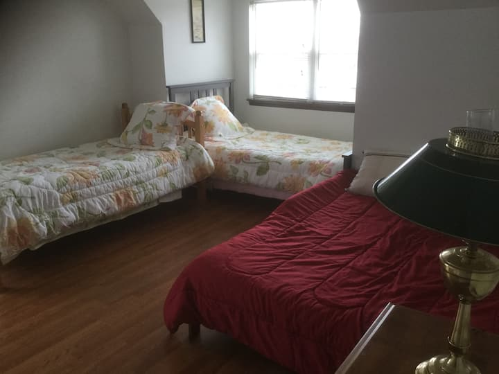 Janey's House---Sharing Room Bed 2