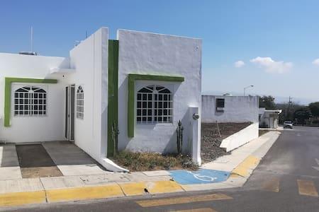 Casa Amueblada 2 Recamaeas, con WiFi