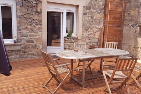 Maison de village rénovée - Peyraud