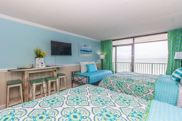 Oceanfront Queen Suite Sleeps 5~Sand Dunes 2933