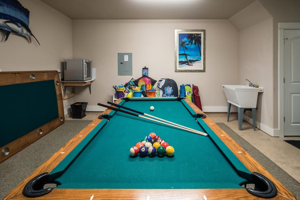 Fun for the young and young at heart - kites, boogie boards, sand pails, beach chairs, plus the game table (pool and poker)!