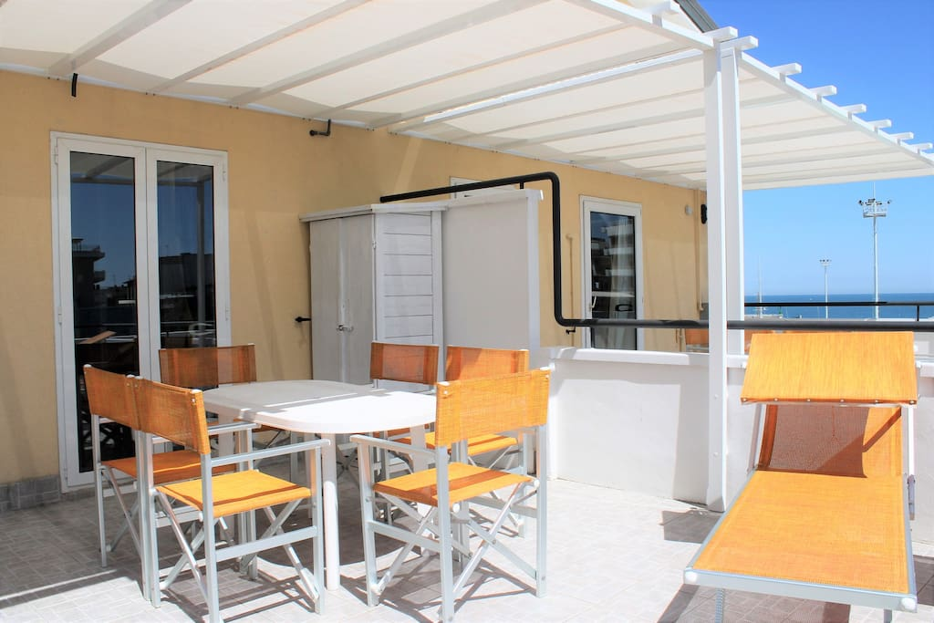 White three room apartment with sea view terrace - Serviced ...