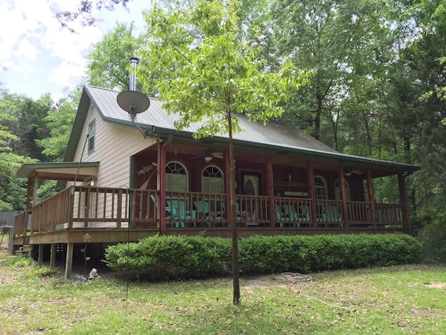 Timberlake Lodge on Lake Hawkins