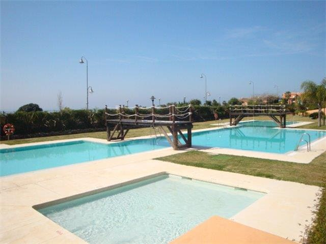 Estepona Beachfront Apartment HANNAH