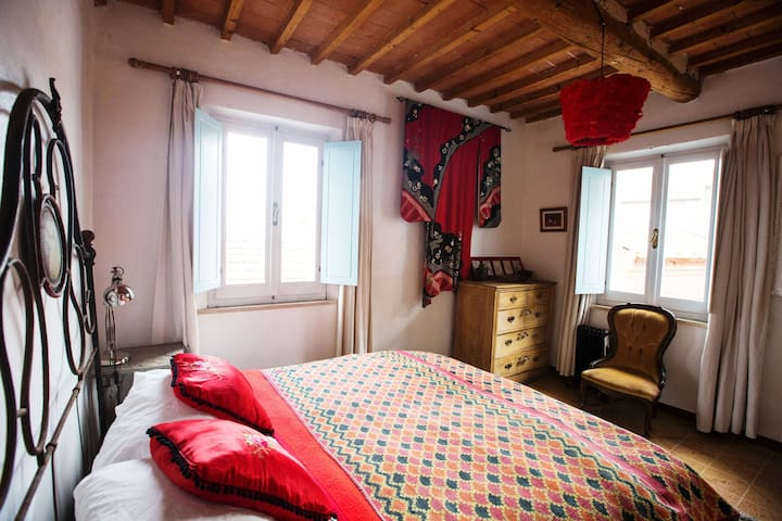 Top floor double bedroom can also be arranged as two twin beds