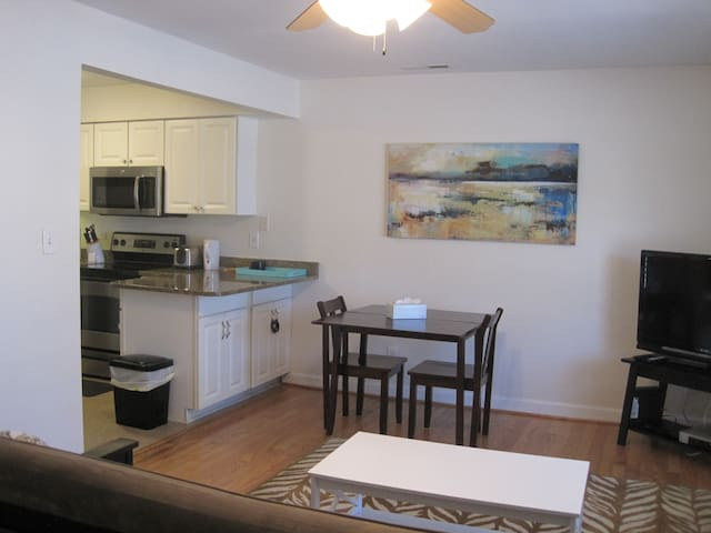 Beautiful 1st floor condo near Beach, Boardwalk