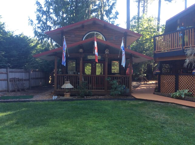 Heart's Delight in Little Paradise West, Bowser BC - Bowser - Cabana