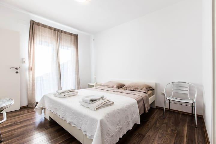 Doublebedroom Nr.3 Ferienhaus Pakostane - Pakoštane - Vacation home