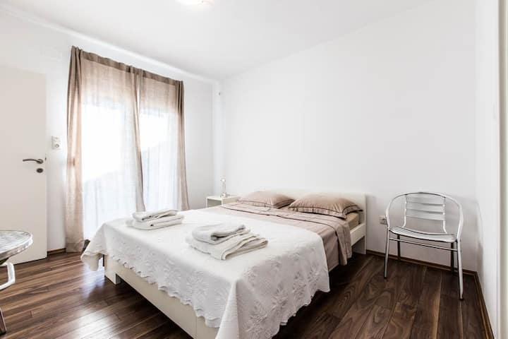Doublebedroom Nr.3 Ferienhaus Pakostane