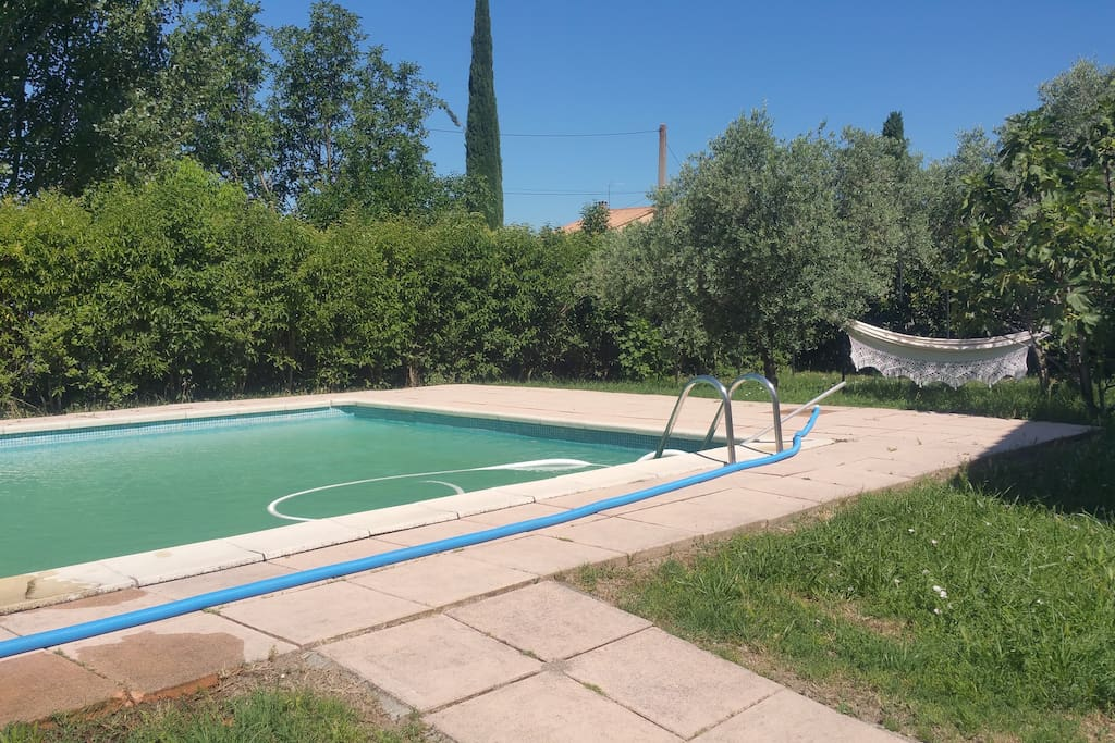 Accès à une grande piscine