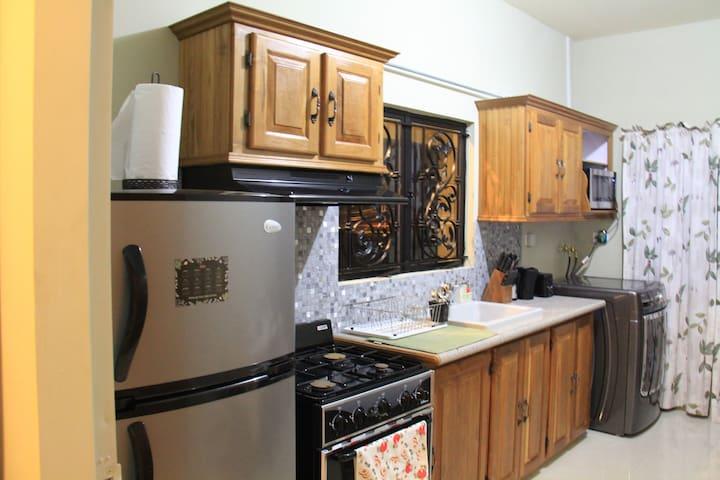 Edinburgh Villas - Chaguanas - Apartment