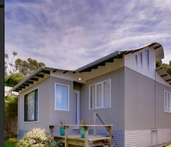 Beach House Getaway 1 - Smiths Beach - Haus