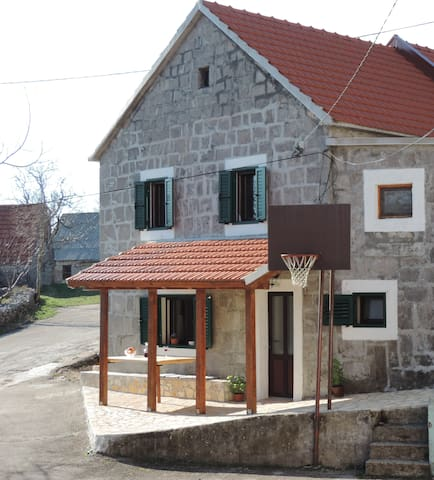 Authentic Dalmatian village house - Tijarica - Casa