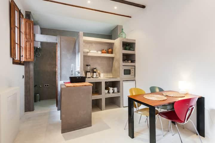 Small  and Cozy Apartment in Ruzafa area, Wifi+A.C