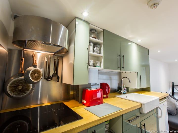 Stylish & modern 1BDR flat in central Brighton