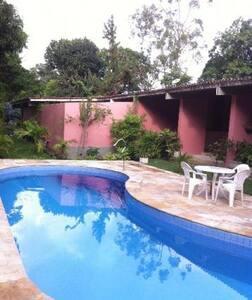 Casa em aldeia km 6.9 - Camaragibe - 小木屋