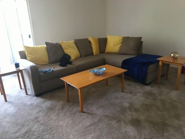 Cozy 1 bedroom apartment!!!